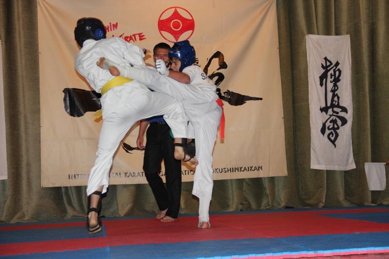 Тариел Николеишвили успешно прошел испытание 100 кумитэ